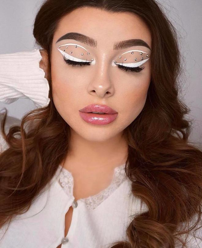 white eyeliner makeup looks for fall