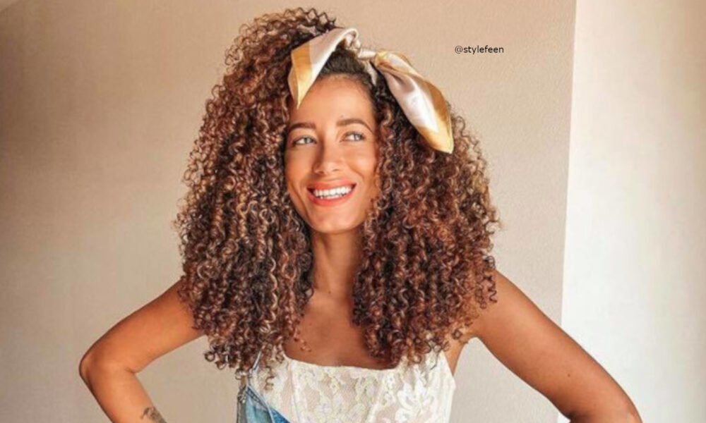 curly-hairstyles-for-fall-3-1-1000×600-1