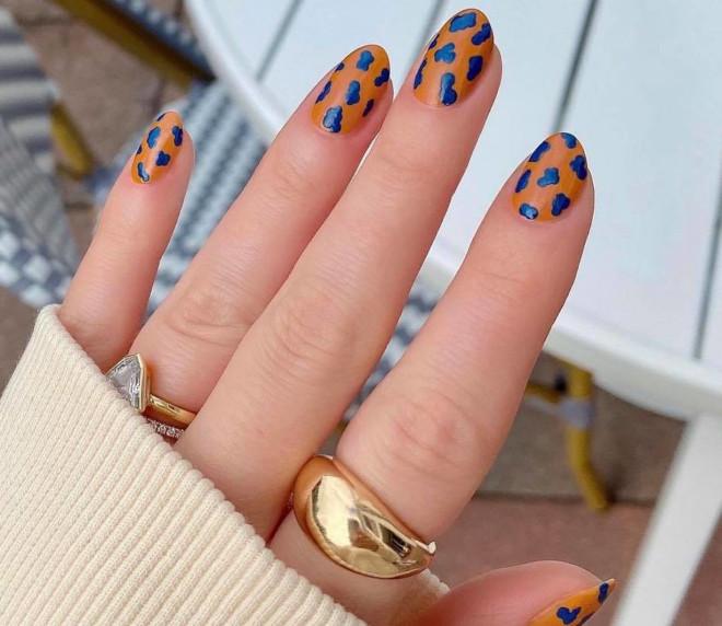 easy holiday nails 5
