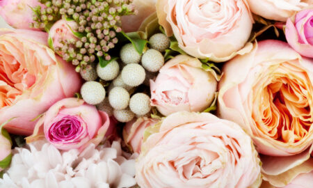 wedding-flower-trends-for-2021-pretty-floral-arrangement