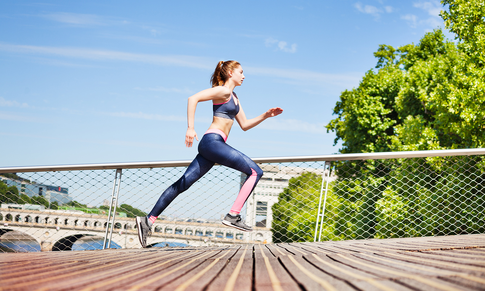 ways-to-get-on-track-for-a-wellness-routine-in-the-new-year-main-image-woman-running