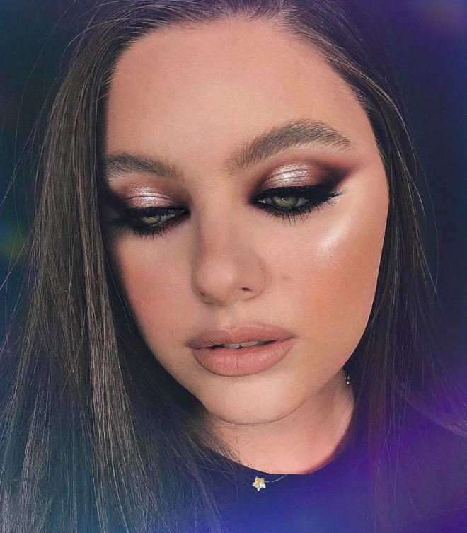 classic & sexy smokey eye makeup looks to bring out the bombshell in you 5