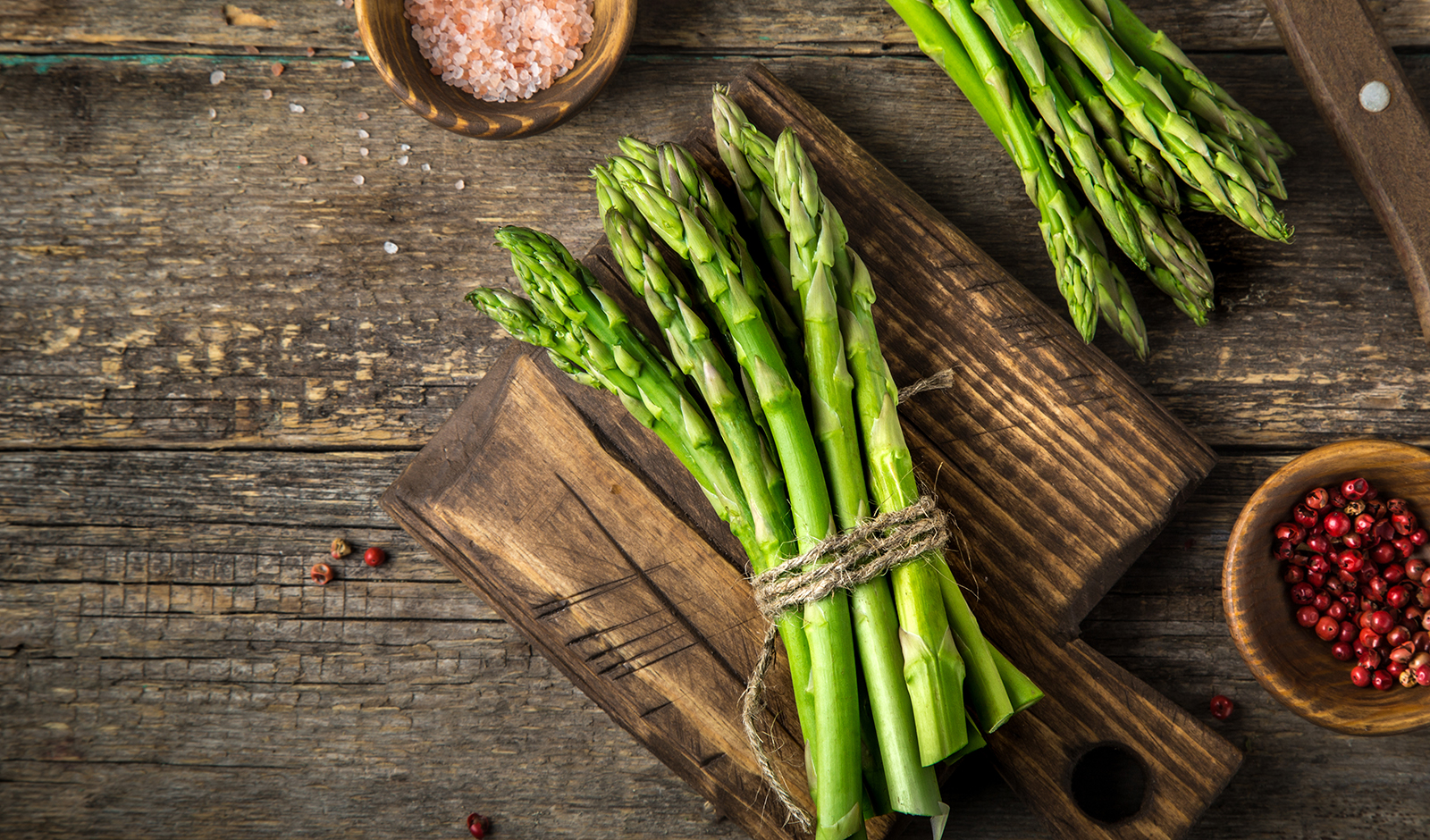 does-reheating-vegetables-cause-cancer-asparagus-laid-out-delicious