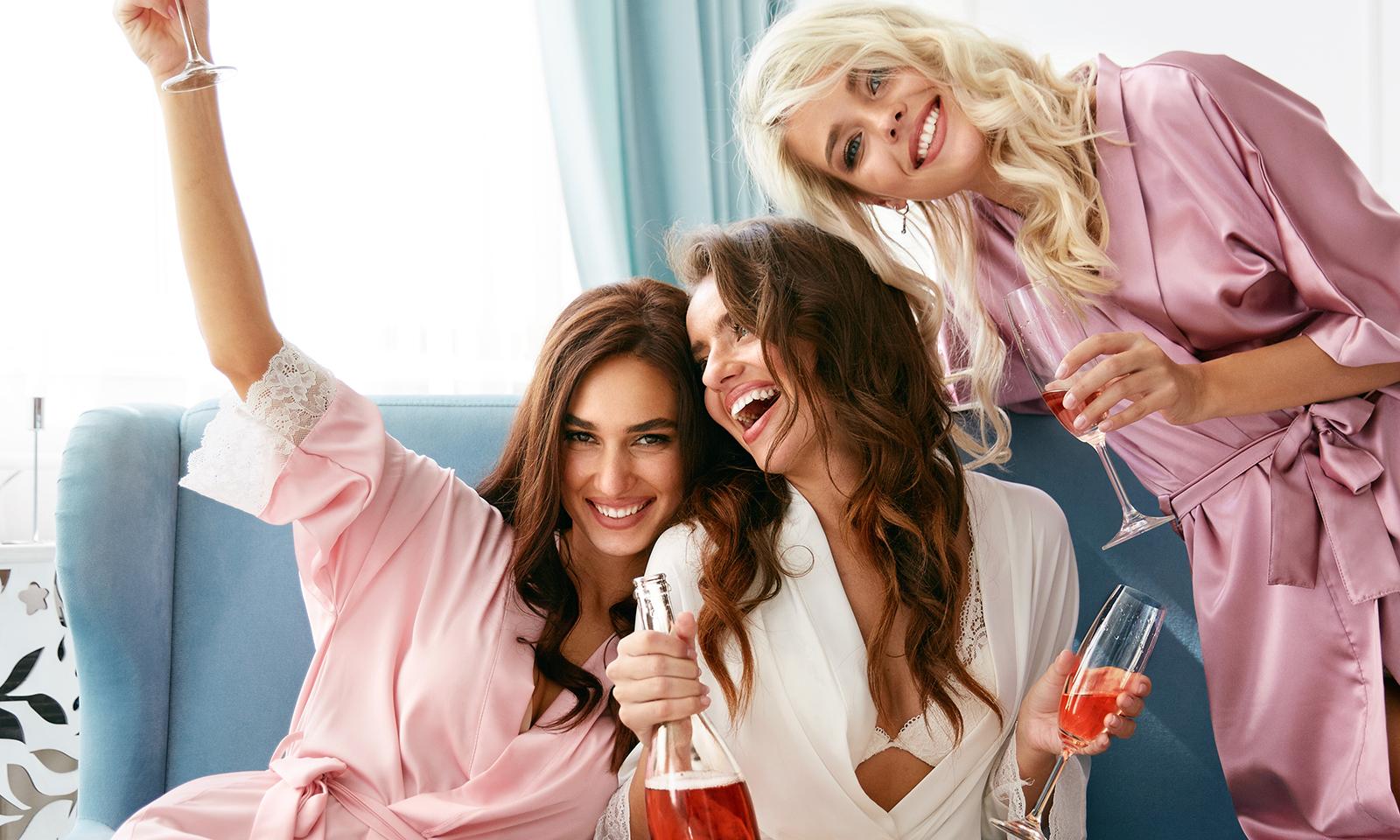 how-to-add-life-to-lifeless-hair-three-girls-paryting