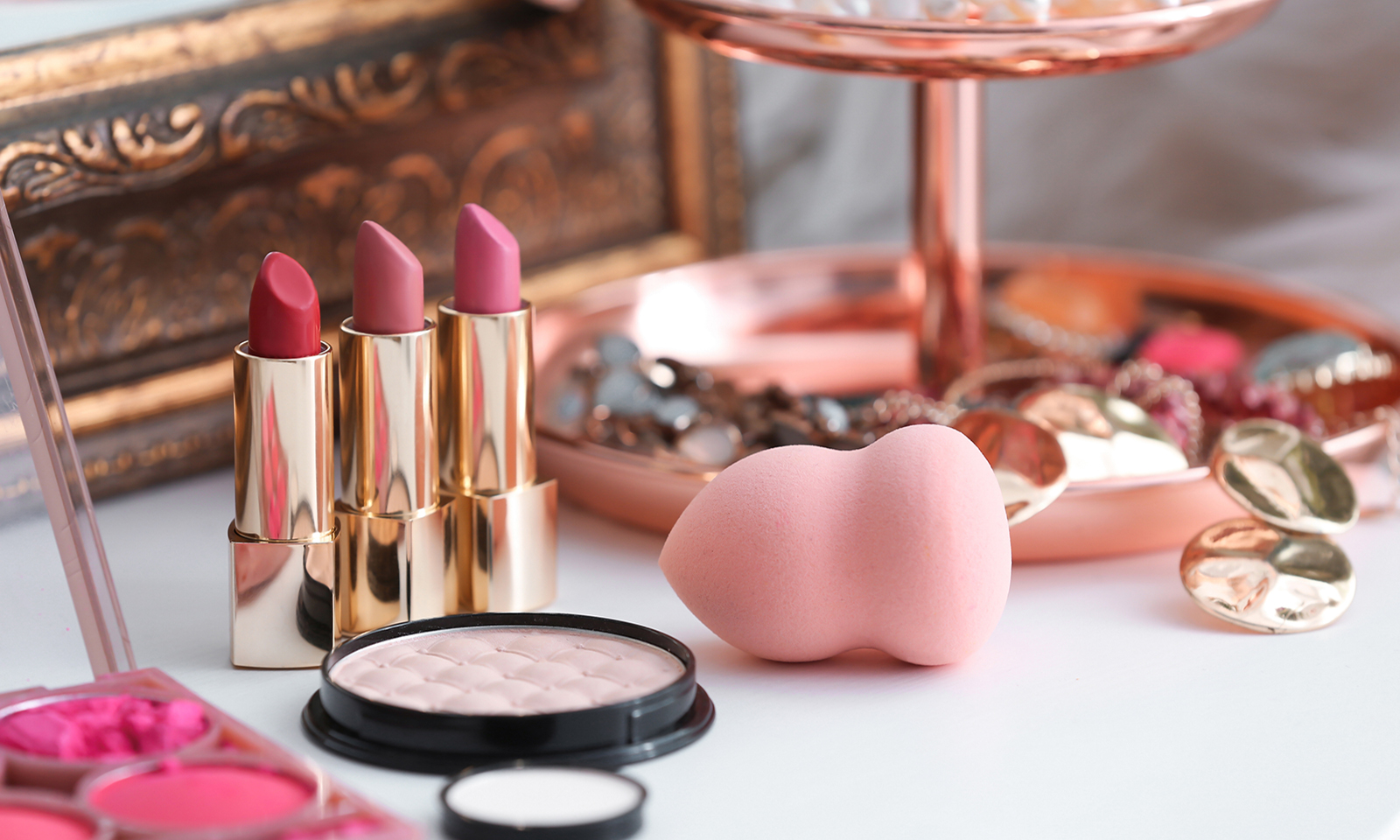 how-to-drive-traffic-to-your-beauty-blog-website-beauty-items-together-on-table