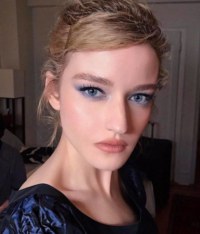 recreate these celebrity natural glam makeup looks for a red-carpet-worthy appearance 5