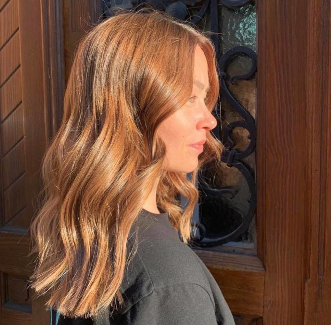 roasted caramel hair is the prettiest spring hair trend for brunettes to try 9