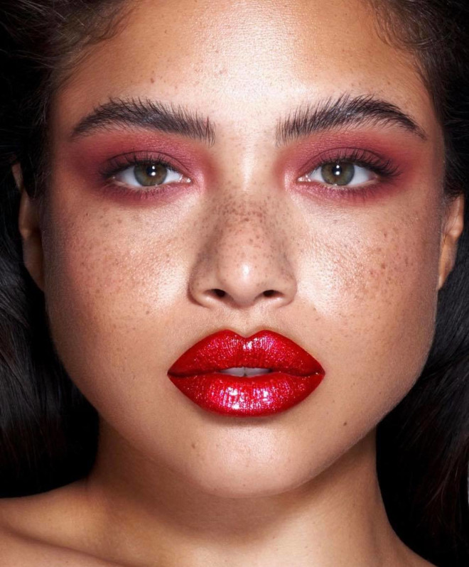 spring monochrome makeup looks to refresh your beauty routine with minimum effort