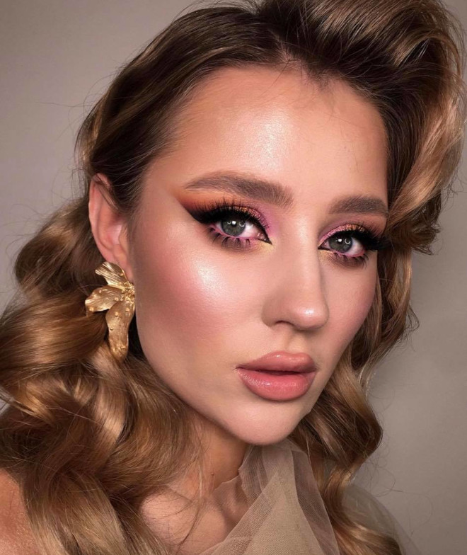 try these romantic rose makeup looks for a youthful and radiant appearance 3
