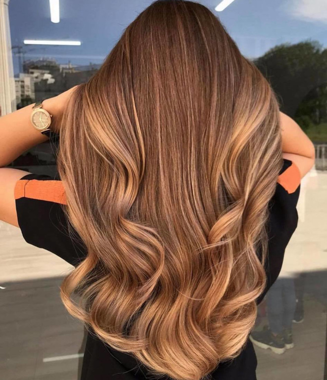 vacation highlights is the low maintenance hair color trend that needs touch-ups every 6 months 3