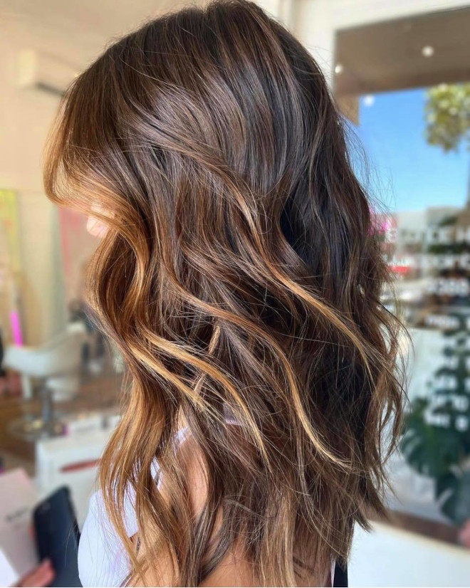 vacation highlights is the low maintenance hair color trend that needs touch-ups every 6 months 7