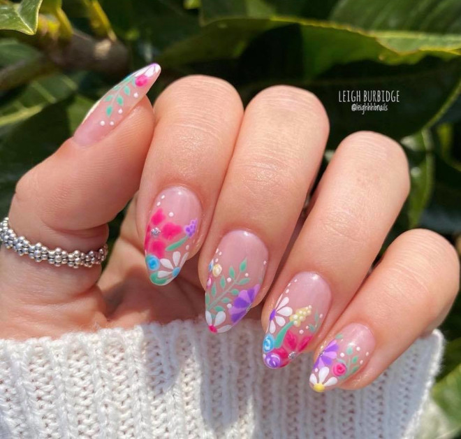 daisy nails are here to bring a blooming garden to your instagram explore page