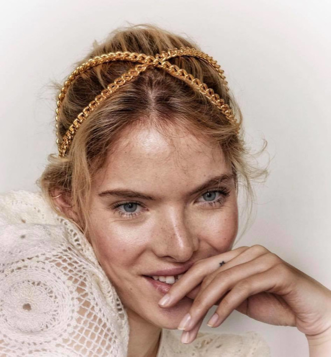 it gals say the skinny headband is the hottest hair accessory this season