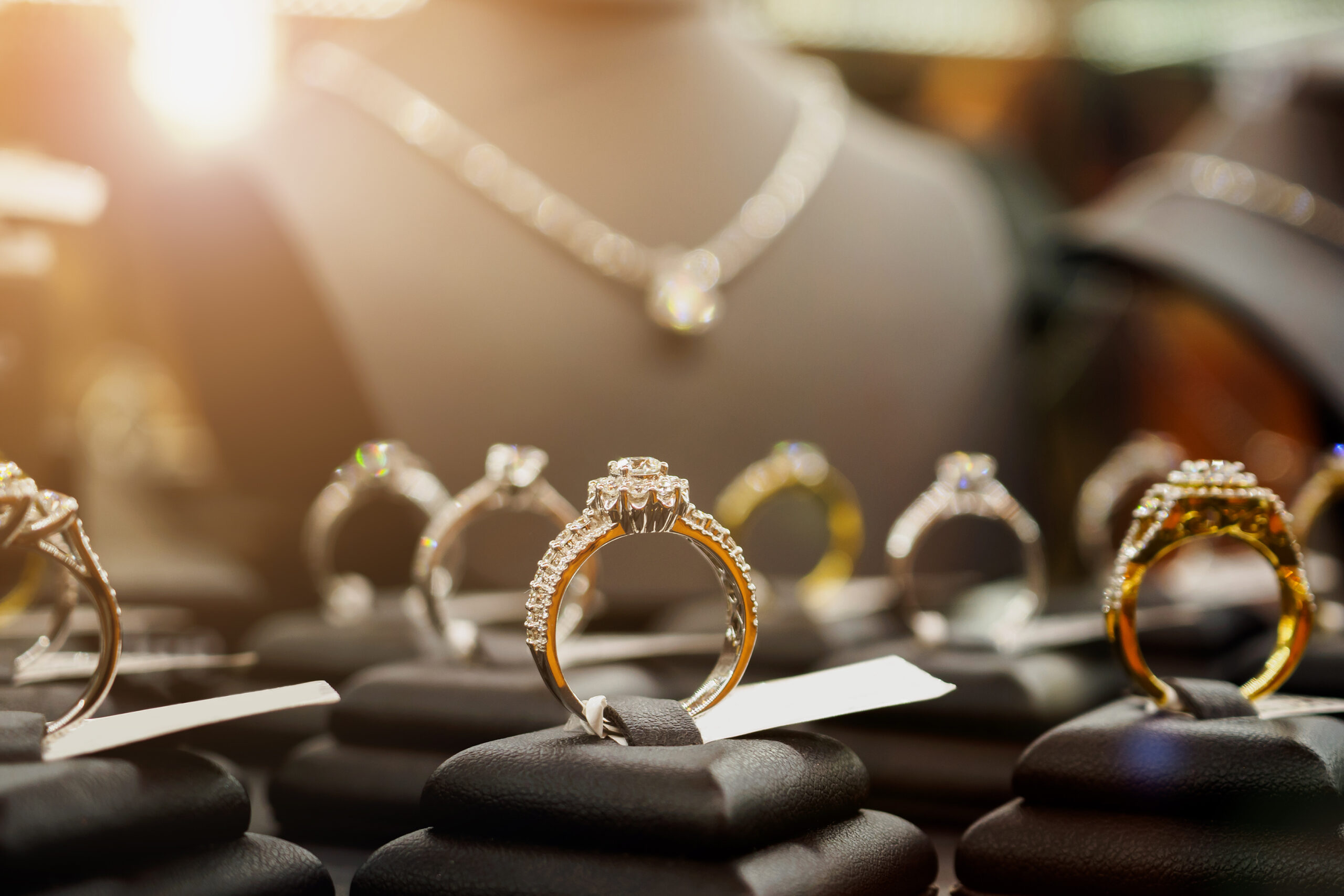 mistakes-you-should-avoid-to-maintain-your-engagement-rings-sparkle-beautiful-photo-of-engagement-rings-scaled