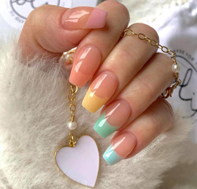 spring french manicure ideas that go well with any outfit