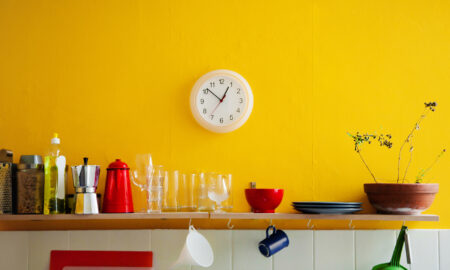 color-yellow-in-home-design
