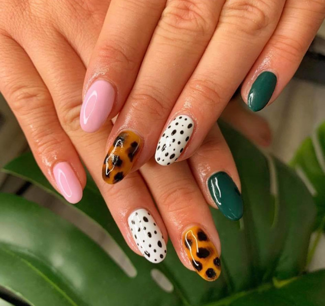 polka dot nails are here to give your tips a classy look