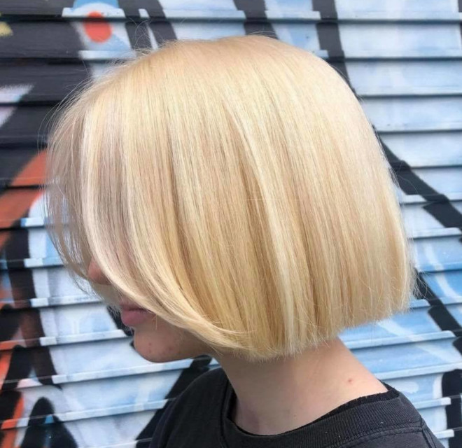 reel blonde hair color is the social media-inspired trend that will give you a polished look at all times