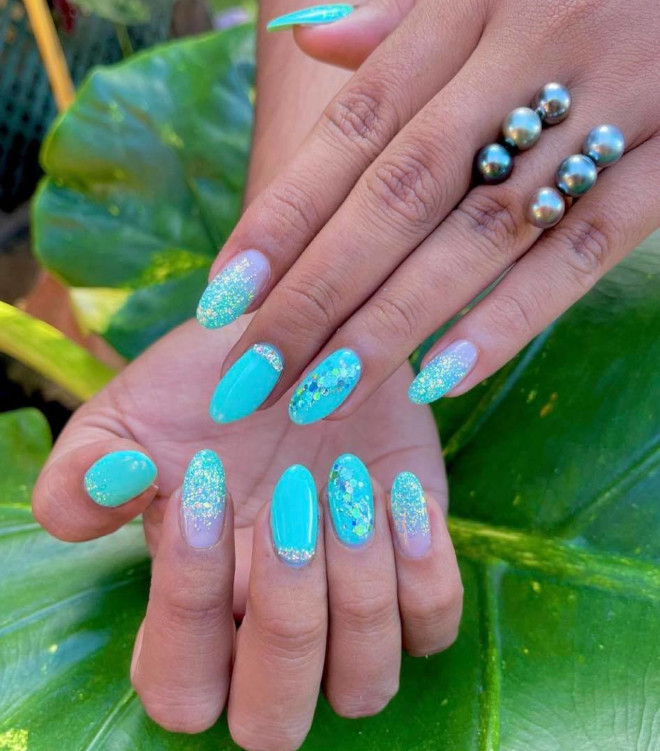 light blue nails are here to give you vacay vibes even if there's no vacay in sight