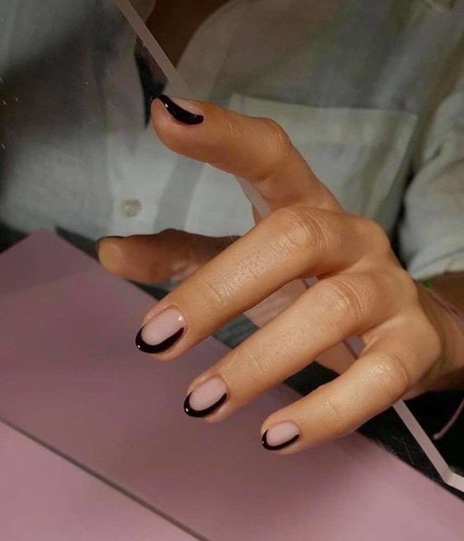 outline french manicure is the new way to reinvent classy french nails
