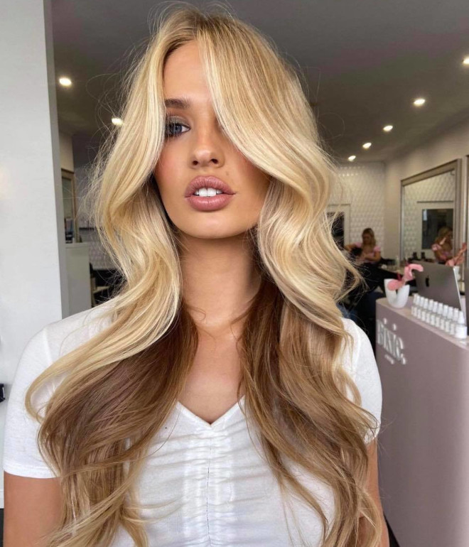 the competing tones hair color trend is here to reinvent your summer highlights
