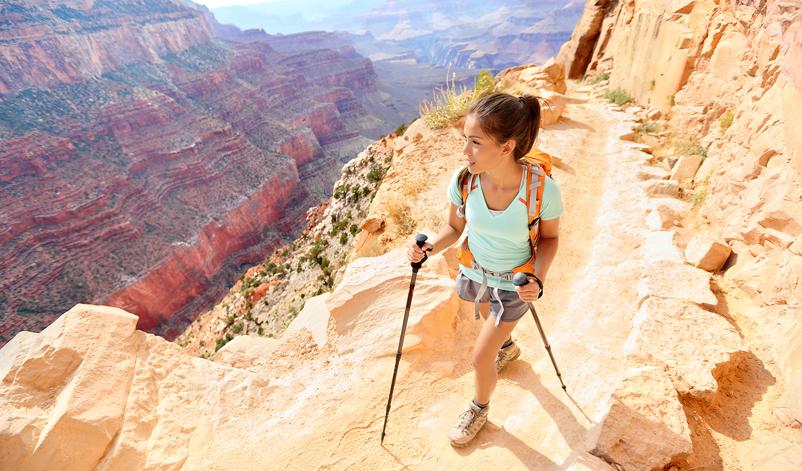 how-to-get-energized-in-the-summer-heat-main-image-woman-hiking-in-desert