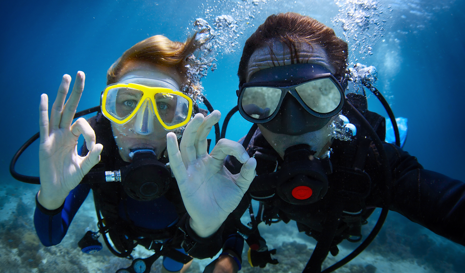 what-to-do-when-your-travel-video-gets-corrupted-friends-scuba-diving-main-image