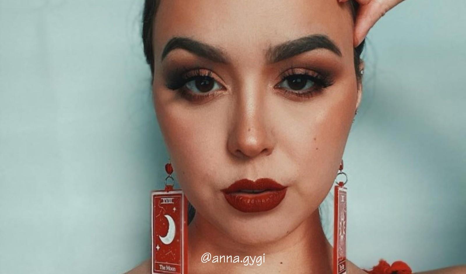 Bold Lipstick Looks