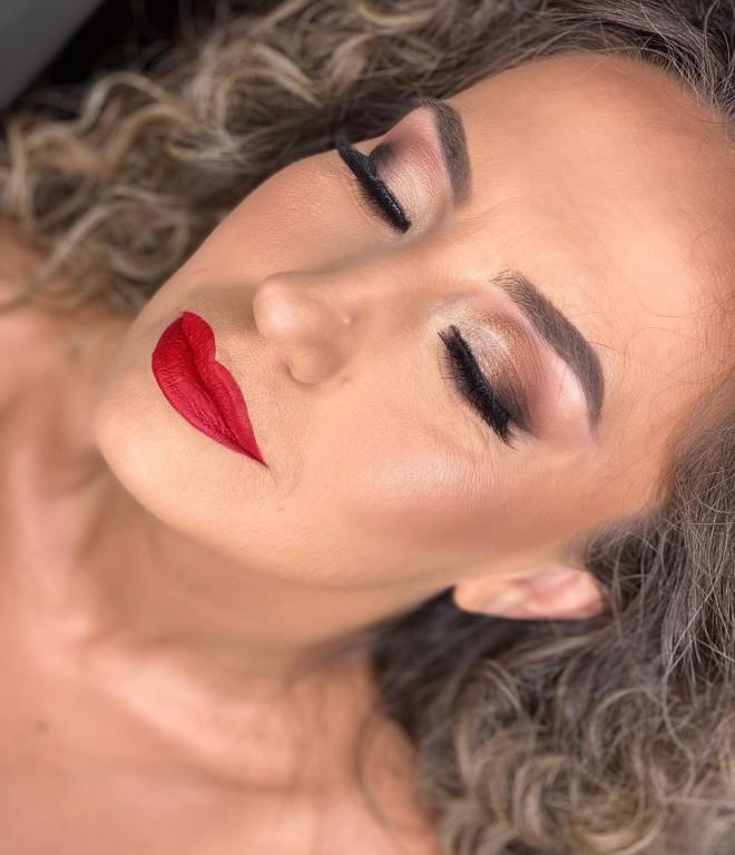 Red Lipstick Makeup Looks