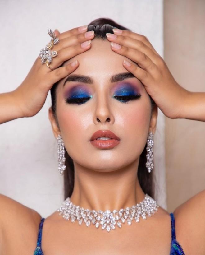cocktail dress makeup