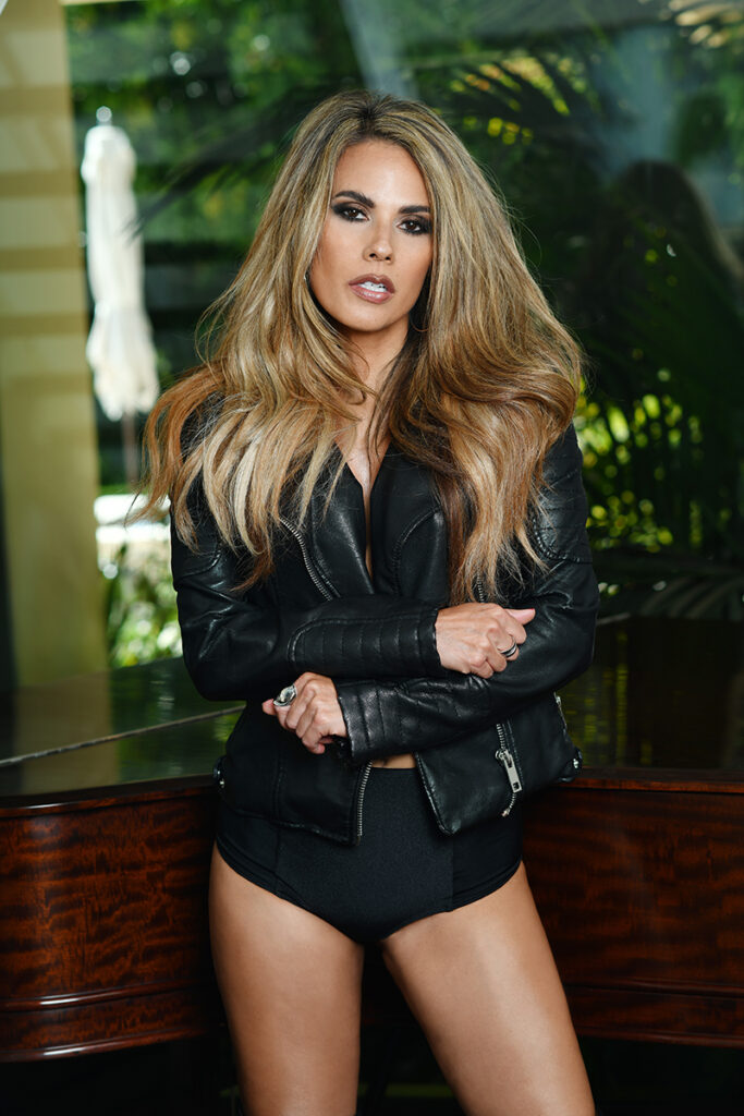 Bonnie-Jill-exclusive-interview-viva-glam-magazine