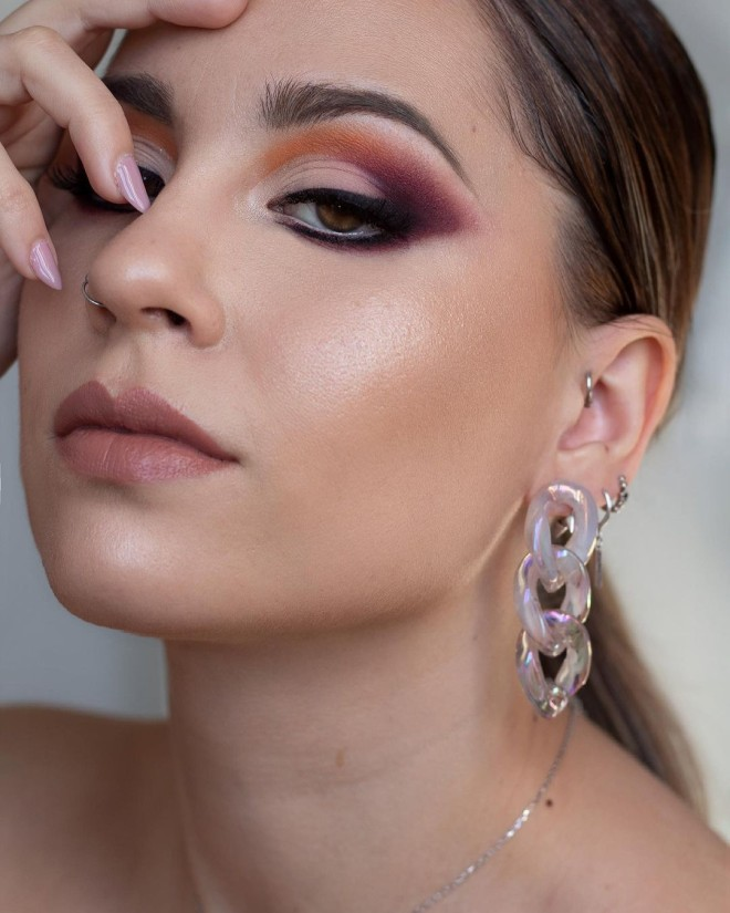 Creative-Makeup-Ideas-that-Will-Make-You-the-Envy-of-all-Your-Friends-5