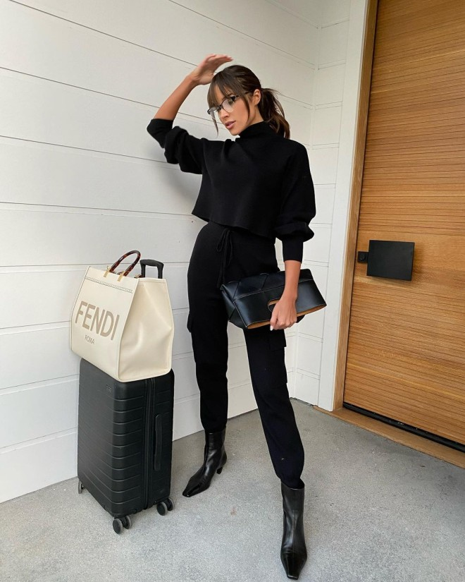 These-All-black-Outfits-Are-Sure-to-Add-Elegance-to-Your-Wardrobe-8