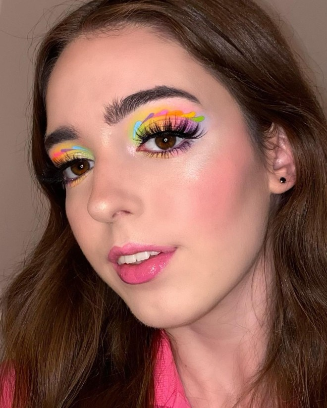 Try-These-Pastel-Makeup-Looks-For-A-Dramatic-Makeover-3