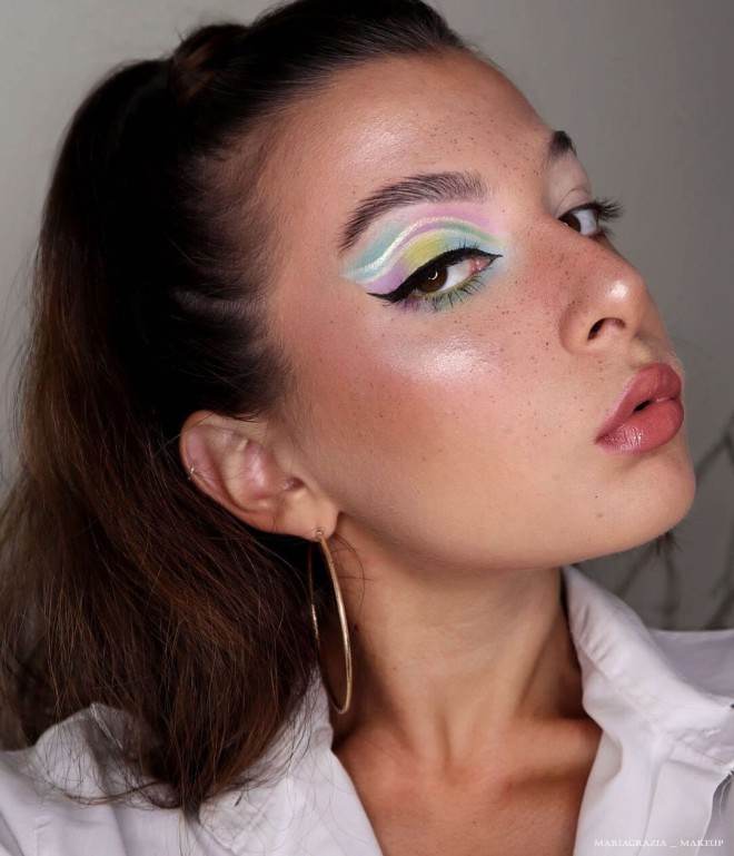 Try-These-Pastel-Makeup-Looks-For-A-Dramatic-Makeover-4
