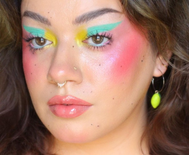 Try-These-Pastel-Makeup-Looks-For-A-Dramatic-Makeover-6