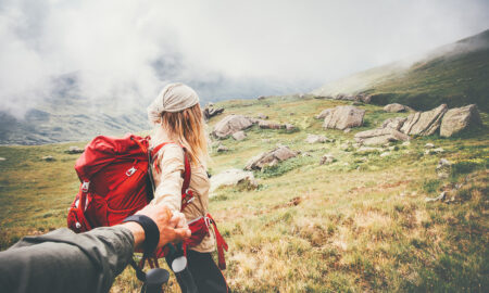 creative-date-night-ideas-make-date-night-more-interesting-couple-hiking